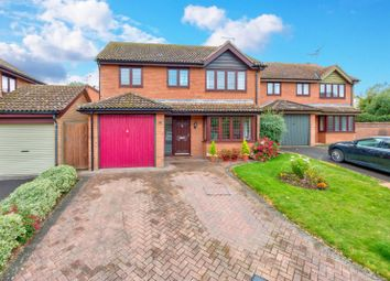 Thumbnail 4 bed detached house for sale in Holborn Close, St. Albans, Hertfordshire