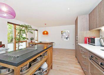 Thumbnail 2 bed flat to rent in Oyster Court, 85 Crampton Street, Kennington