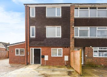 Thumbnail 1 bed flat to rent in Black Horse Close, Windsor