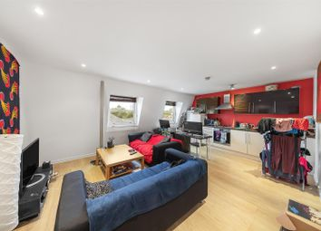 Paulet Road, London SE5. 2 bed flat