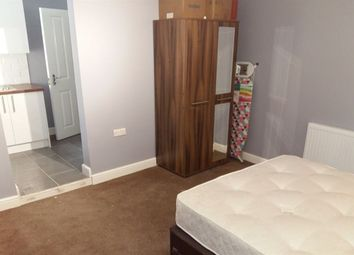 Thumbnail Room to rent in Rm 9, Lincoln Road, Peterborough