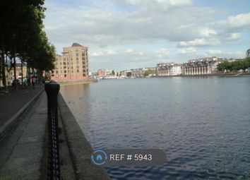 Thumbnail 2 bed flat to rent in Surrey Quays, London