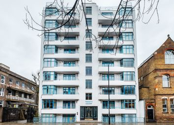 Thumbnail 1 bed flat to rent in Trinity Court, Holborn