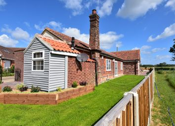 3 bed bungalow for sale in Sunnyside, Lingwood NR13