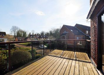 Thumbnail 4 bed flat to rent in Temple Mill Island, Marlow