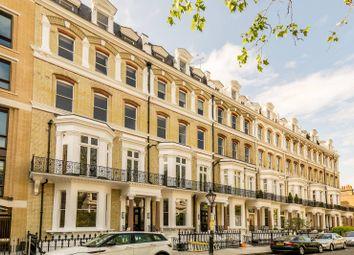 Thumbnail 3 bed flat to rent in Vicarage Gate, High Street Kensington