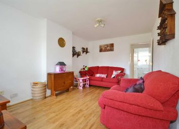 2 bed maisonette to rent in South Dale, Chigwell IG7