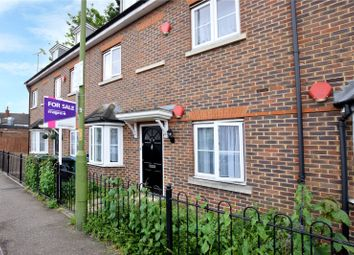 Thumbnail 2 bed flat for sale in Queens Avenue, Watford, Hertfordshire