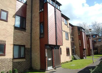 Thumbnail 2 bedroom flat to rent in St Pauls Court, Reading