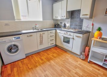 Thumbnail 2 bed flat to rent in Wood Street, Warsop, Mansfield