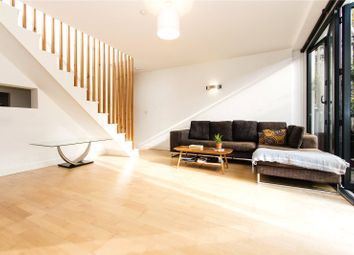 Thumbnail 3 bed property to rent in Gillett Place, London
