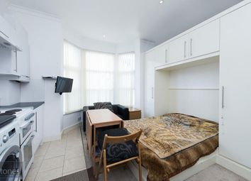 Thumbnail Studio to rent in Glengall Road, London