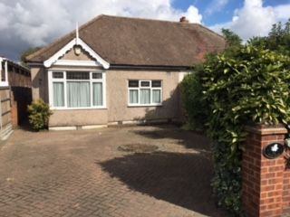 Thumbnail 2 bed bungalow to rent in Hog Hill Road, Romford