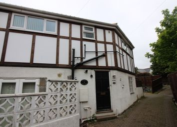 Thumbnail Studio to rent in Gypsy Lane, Marton-In-Cleveland, Middlesbrough