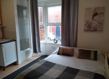Thumbnail Studio to rent in Lewis Street, Walsall