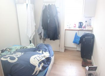 Thumbnail Property to rent in Farleigh Road, London