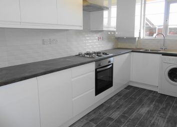 2 bed flat to rent in Woodstock Court, Lee SE12