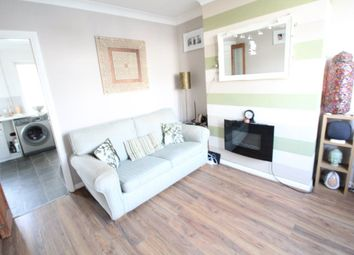 2 bed property to rent in Fourth Avenue, Luton LU3