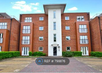 Thumbnail 2 bed flat to rent in Langley, Langley, Slough