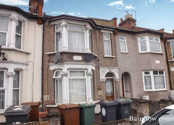 Thumbnail 3 bed flat to rent in Fulbourne Road, London
