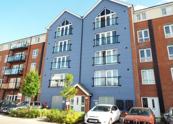 Thumbnail 2 bed flat to rent in Chadwick Road, Langley, Slough