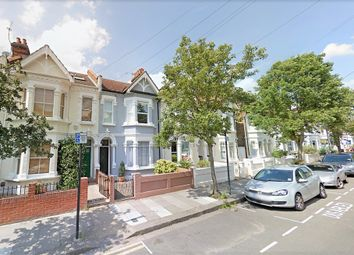 Thumbnail 4 bed flat to rent in Kenyon Street, Hammersmith, London