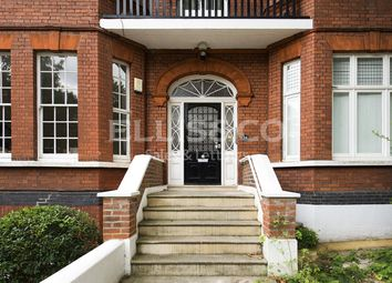 Thumbnail 3 bedroom flat to rent in Chesterford Gardens, London