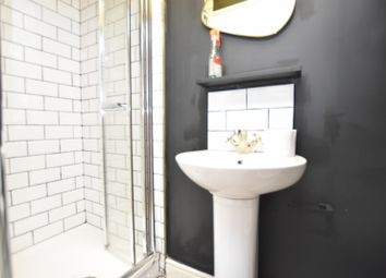 5 bed shared accommodation to rent in Buckingham Road, London E18