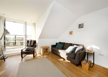 Thumbnail 2 bedroom flat for sale in Worcester Close, London