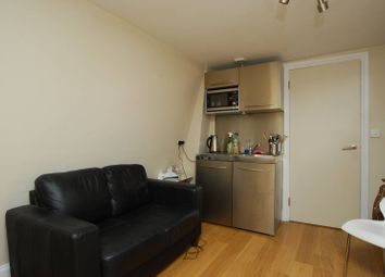 Thumbnail 1 bedroom flat to rent in Bishopsgate, City