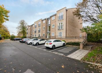 2 bed flat for sale in Crag View, Greengates, Bradford BD10