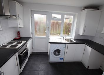 1 bed flat to rent in West Close, Edmonton, London N9