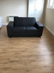 Thumbnail Studio to rent in Earl's Court Road, Earl's Court, Cromwell Road, London