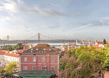 Thumbnail 4 bed apartment for sale in Av. Infante Santo (Lapa), Estrela, Lisboa