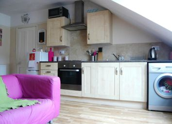 Thumbnail 2 bedroom flat to rent in St. Michaels Place, Brighton