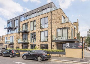 Thumbnail Flat to rent in Essex Park Mews, London