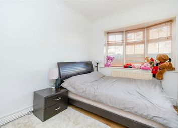 Thumbnail 1 bed flat to rent in Bryony Road, White City