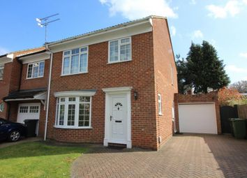 Thumbnail 3 bed detached house to rent in Richmond Close, Frimley