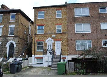 3 bed maisonette to rent in Wynell Road, Forest Hill, London SE23