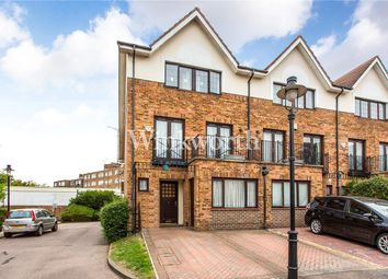 Thumbnail 4 bedroom town house for sale in Hollyview Close, London