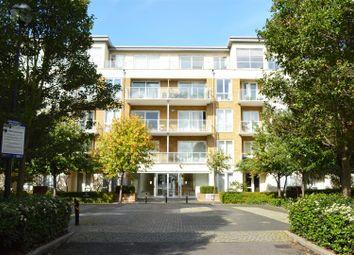 Thumbnail 3 bedroom flat to rent in Melliss Avenue, Kew, Richmond