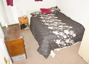 Thumbnail 2 bedroom flat to rent in Sylvester Path, London