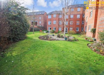 2 bed flat for sale in Spencer Court, Banbury OX16