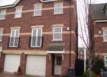 Thumbnail 3 bed town house to rent in Fewston Way, Doncaster
