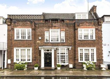 Thumbnail 4 bed flat to rent in Godfrey Street, London