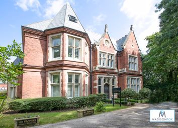 Regents Drive, Woodford Green IG8. 2 bed flat for sale