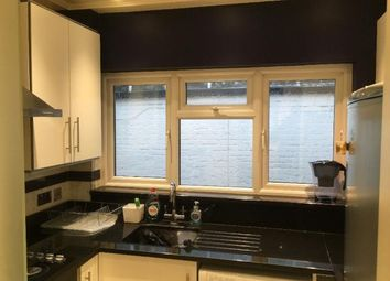 Thumbnail 1 bed flat to rent in Victoria, London