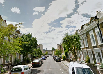 Thumbnail 3 bedroom flat to rent in Hadley Street, Camden