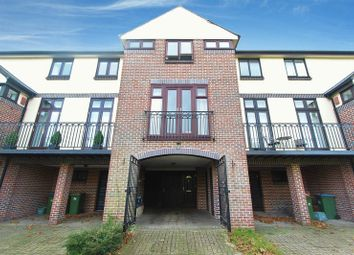 Thumbnail 3 bed town house for sale in Mayfair Gardens, Banister Park, Southampton
