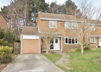 Thumbnail 4 bed property for sale in Robinia Close, Waterlooville